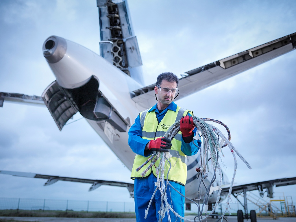 Klm Uk Engineering Awarded Exclusive Heavy Maintenance Contract For Cityjet Bae Avro Rj85